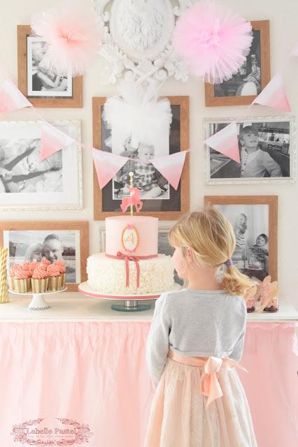 Mädchen mit Torte