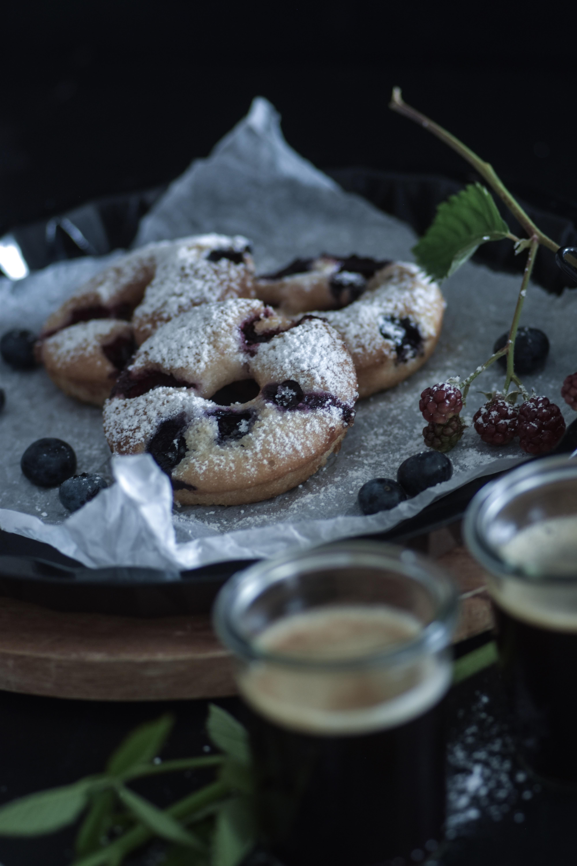 vegan & glutenfree berry Doughnut