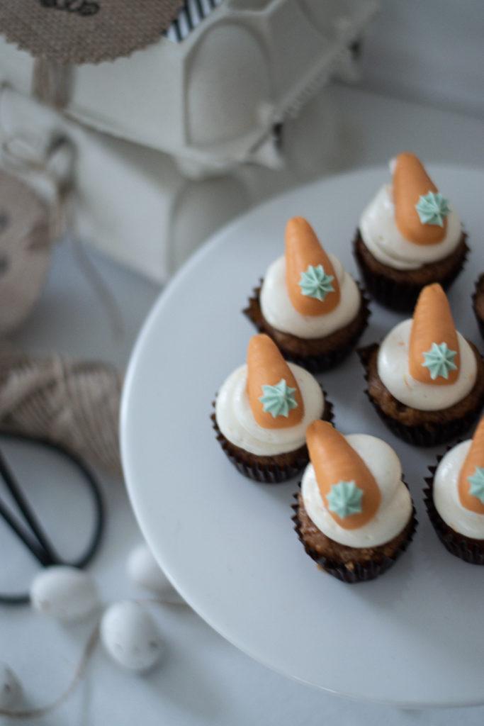 vegane Karotten Cupcakes mit Creem Cheese Frosting